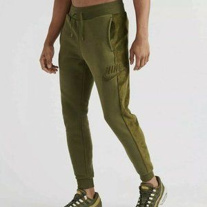 Men's Nike Sportswear Velour Winter Jogger Pants